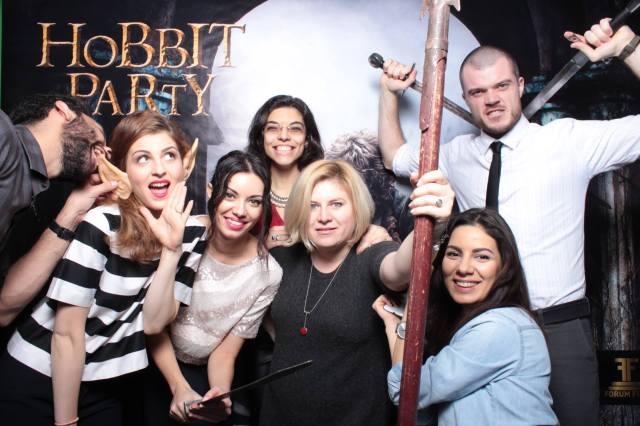 Cool gang @the hobbit party: Lucian Achim (S.Miles), hobbitul urechiat, Alexandra Bădiță (Impressivity), Patricia Mihail (Ranevents), Claudia Petraru (Ranevents), Andreea Filip (Dee's Boudoire) și Daniel Vasile (S.Miles).