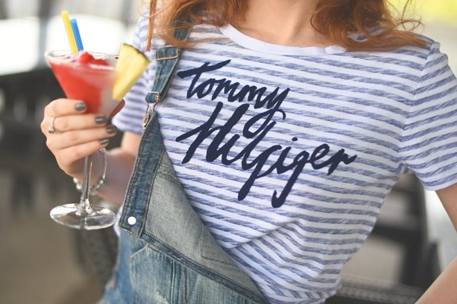 tricou in dungi tommy hillfiger