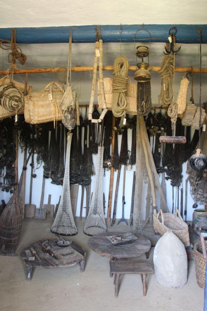 unelte de pescuit muzeul satului sibiu